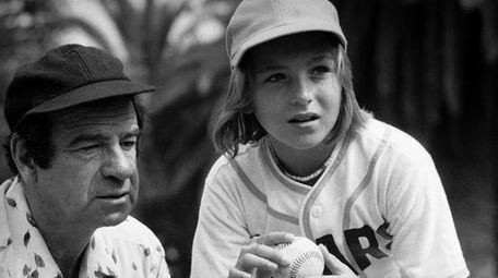 """Walter Matthau (l) and Tatum O'Neal in """"The"""