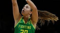 Oregon guard Sabrina Ionescu shoots in the first