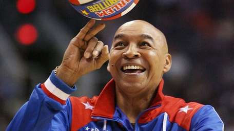 "The Harlem Globetrotters' Fred ""Curly"" Neal, has died"