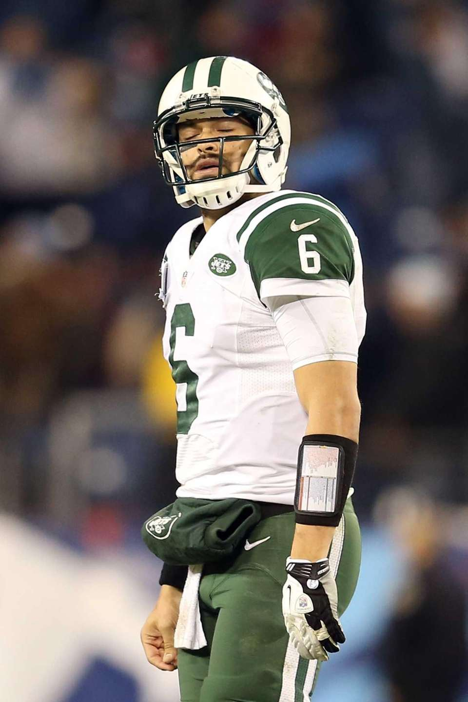 NASHVILLE, TN - DECEMBER 17: Quarterback Mark Sanchez