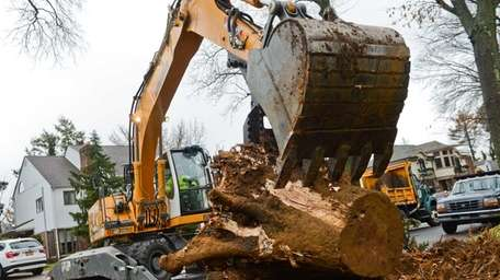The Town of North Hempstead Highway Department removes
