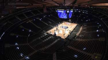 An empty Madison Square Garden before the start