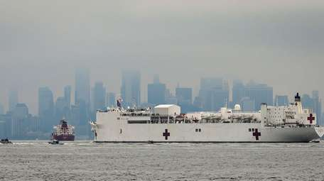 The Navy hospital ship USNS Comfort arrives in