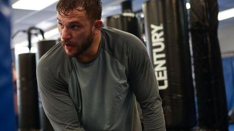 UFC light heavyweight Gian Villante trains on Friday,