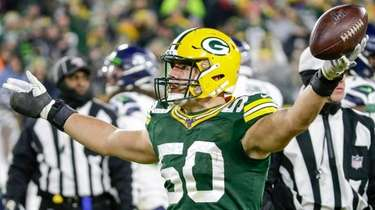 The Packers' Blake Martinez reacts after a third-down