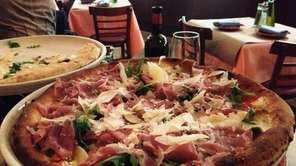 One of our 10 best pizzas, the proscuitto
