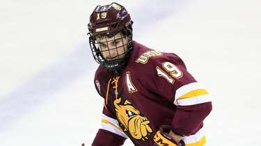 Minnesota-Duluth Bulldogs' Justin Richards during an NCAA hockey