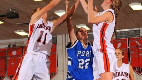 Manhasset's Emily Markham, left, and Erin Barry, right