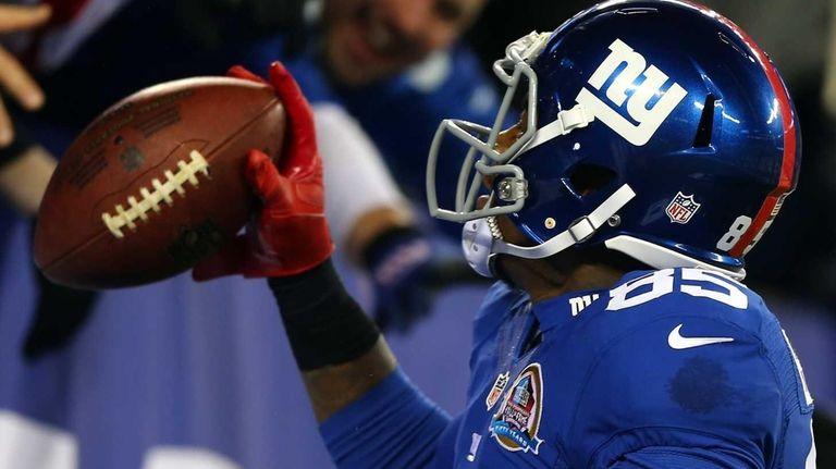 Martellus Bennett of the New York Giants celebrates