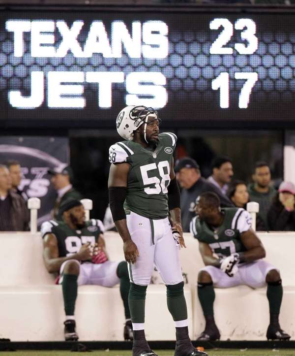 BRYAN THOMAS Linebacker/defensive end The 11-year veteran linebacker/defensive