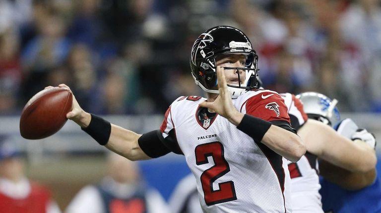 Atlanta Falcons quarterback Matt Ryan passes the ball
