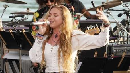 """Bellport's Shannon Gibbons performs on """"American Idol"""" in"""