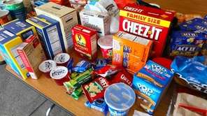 On Monday, theLynbrook School District collected food for