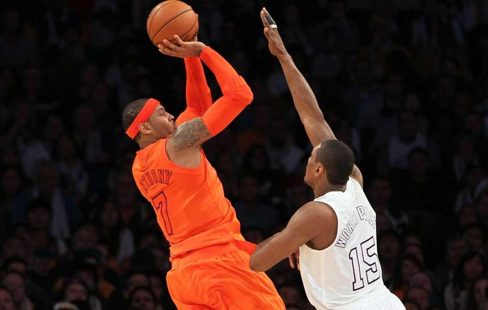 Carmelo Anthony of the Knicks shoots a jump