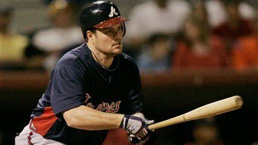 Atlanta Braves' Matt Diaz hits a one-run single