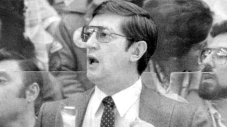 Islanders coach Al Arbour during the first period