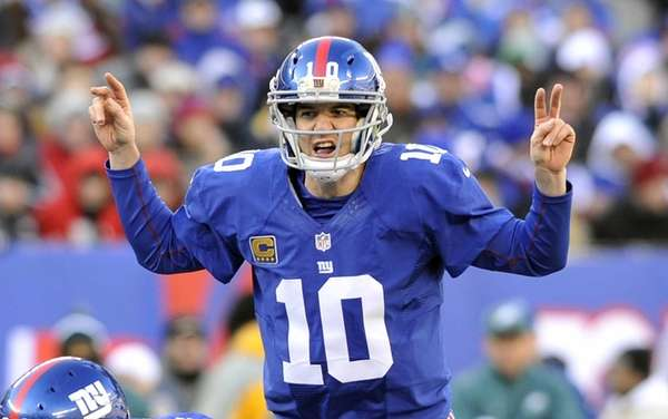 Eli Manning calls an audible. (Dec. 30, 2012)