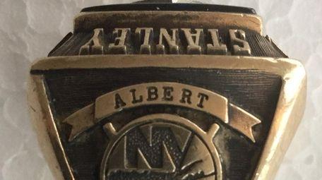 This 1980 Stanley Cup ring belongs to Steve