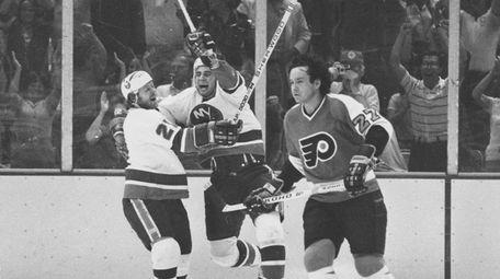 Duane Sutter of the New York Islanders celebrates