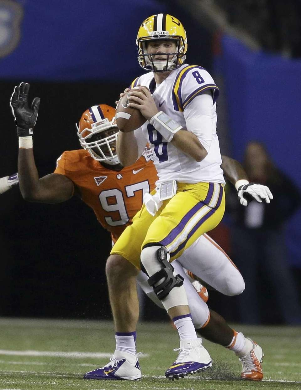 LSU quarterback Zach Mettenberger prepares to pass the