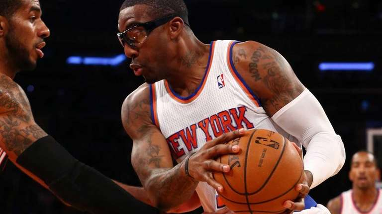 Amar'e Stoudemire controls the ball during a game