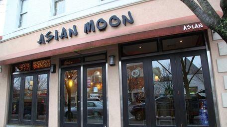 Asian Moon on Franklin Avenue in Garden City.