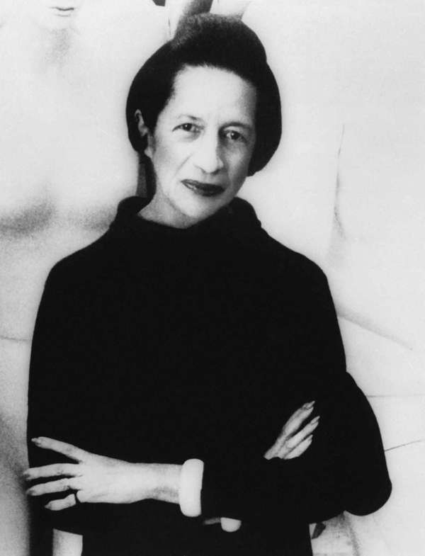 A November 1971 photo of Diana Vreeland, subject