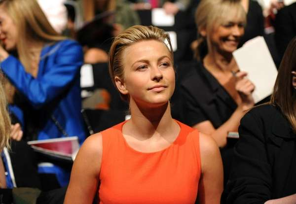 Julianne Hough attends the Carolina Herrera spring 2013