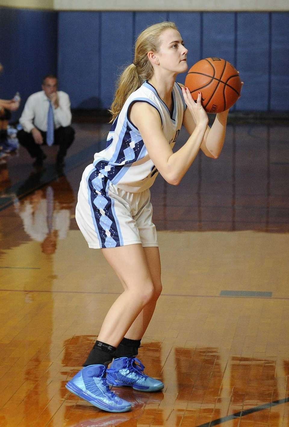 Our Lady of Mercy's Marilyn Lehmuller shoots a