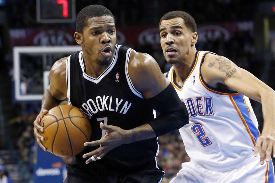 Joe Johnson drives past Oklahoma City Thunder guard