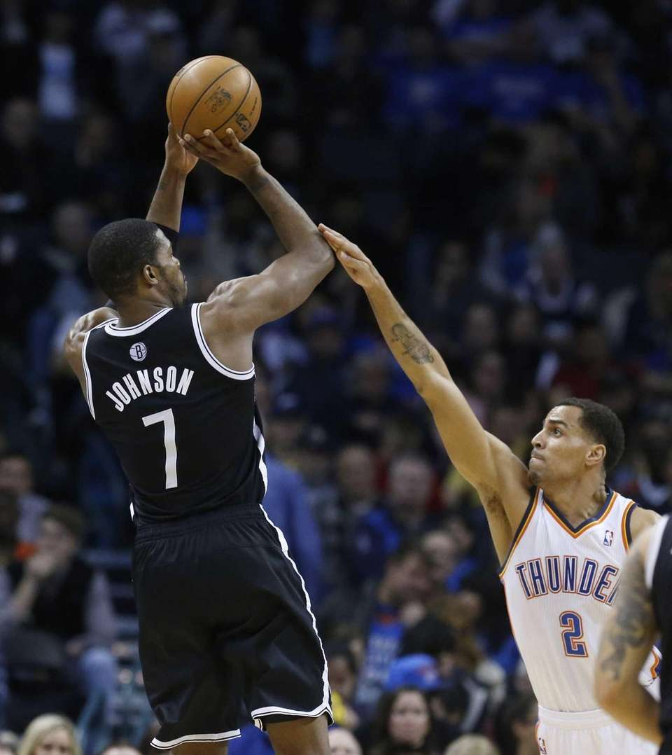 Joe Johnson shoots over Oklahoma City Thunder guard