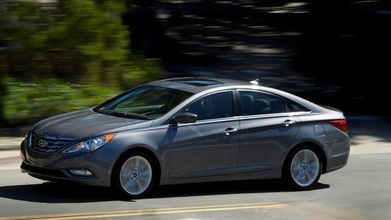Hyundai recalls some Santa Fe, Sonata models for air bags
