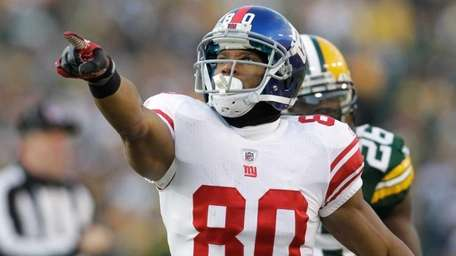 VICTOR CRUZ Position: Wide receiver Age: 26 Status: