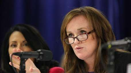 Moreland Commission member Kathleen Rice questions LIPA and