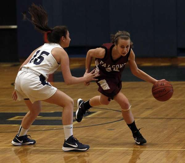 Deer Park's Kristy Vitucci (24) dribbles around Huntington's