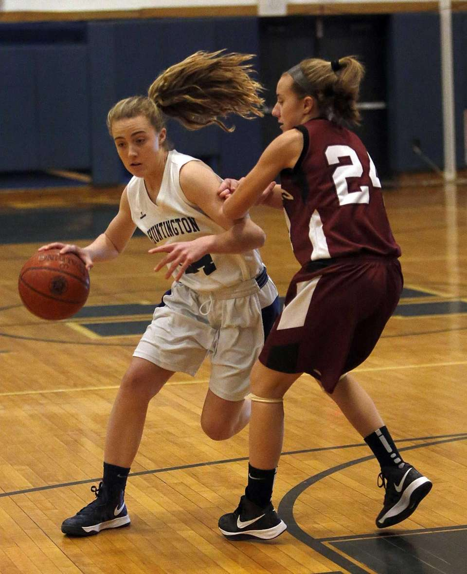 Huntington's Kathleen Nugent (24) drives around Deer Park's