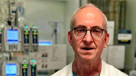 Dr. Scott Schubach is chairman of cardiothoracic surgery