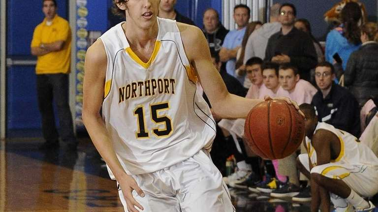 Northport's Luke Petrasek controls the ball during a