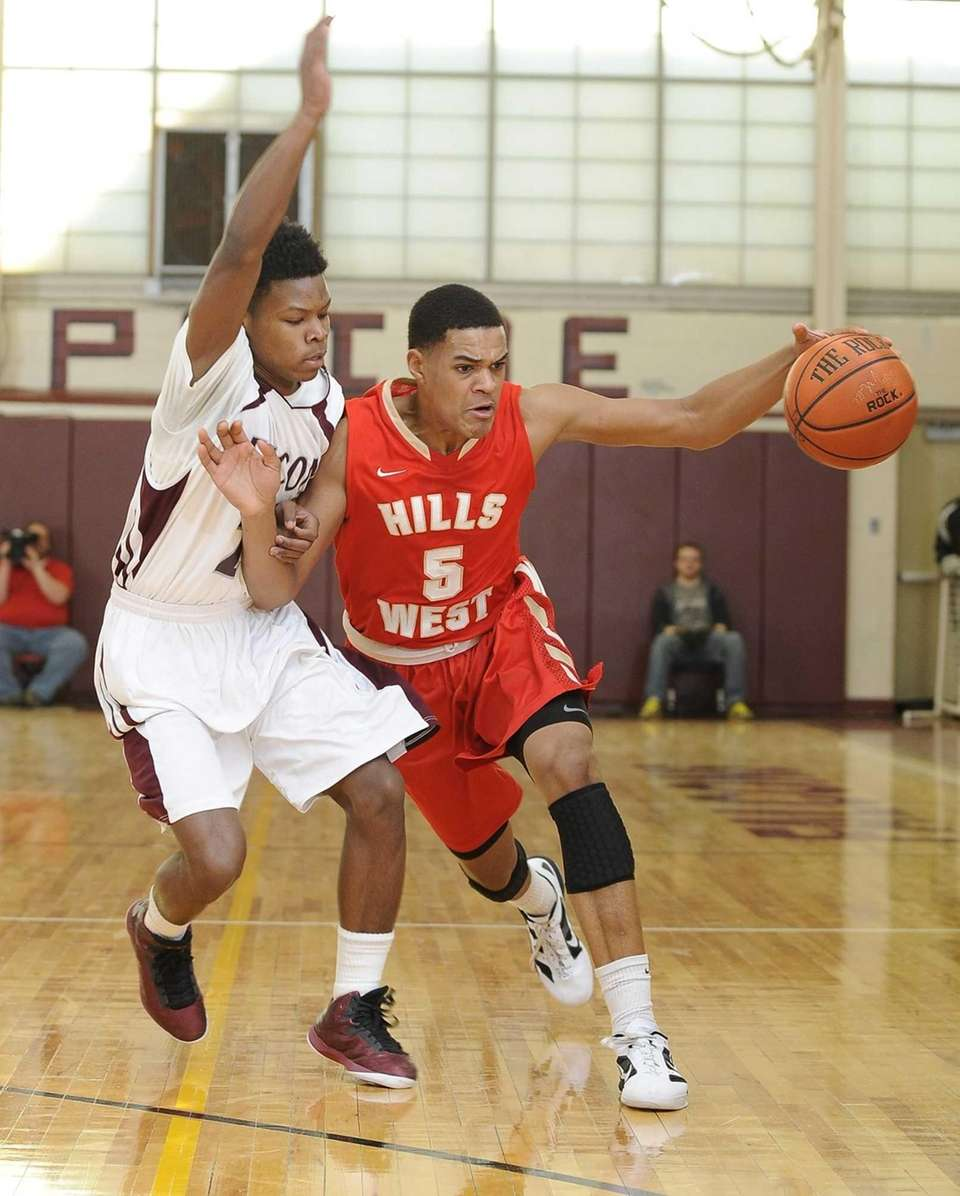 Half Holllow Hills West's Terry Harris drives the