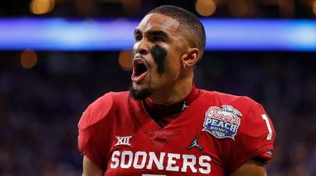 Quarterback Jalen Hurts #1 of the Oklahoma Sooners
