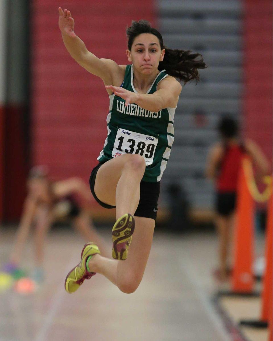 Bonnie Pisciotta from Lindenhurst places third in the