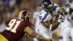 Washington Redskins outside linebacker Ryan Kerrigan closes in