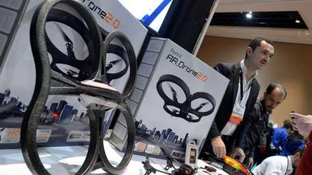 French Parrot introduces their automatic 4-rotor flying drones