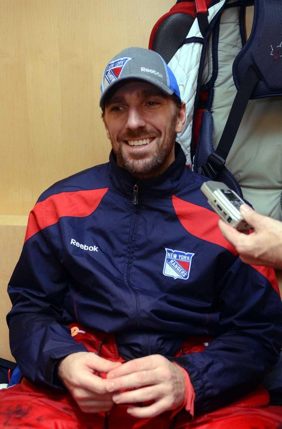 New York Rangers goalie Henrik Lundqvist speaks with
