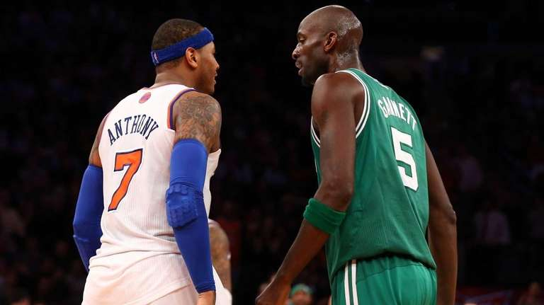 Carmelo Anthony has words in the second half