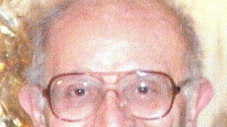 Kenneth Veselak, 79, of Bayville and Holbrook, who