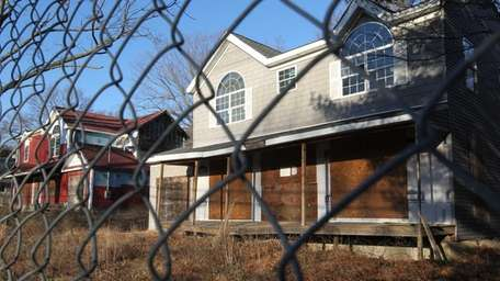 A Carle Place attorney told the Smithtown Town