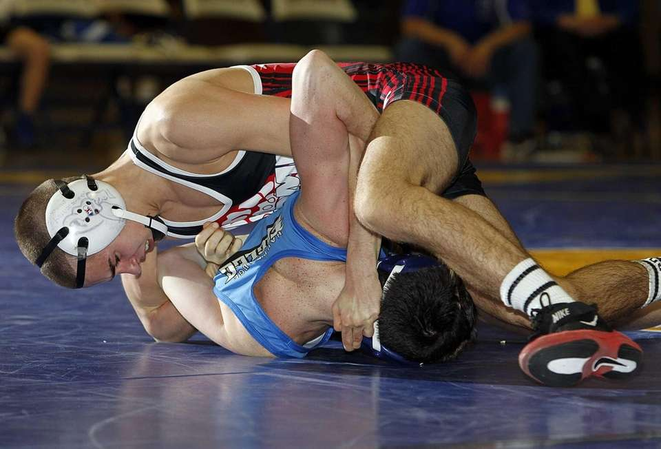 East Islip's Sal Cipolla works to turn Dan