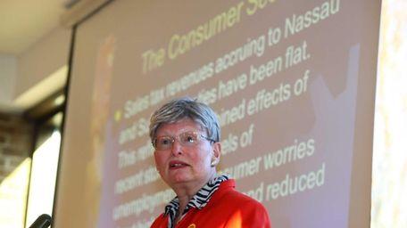 Pearl Kamer of the Long Island Association addresses