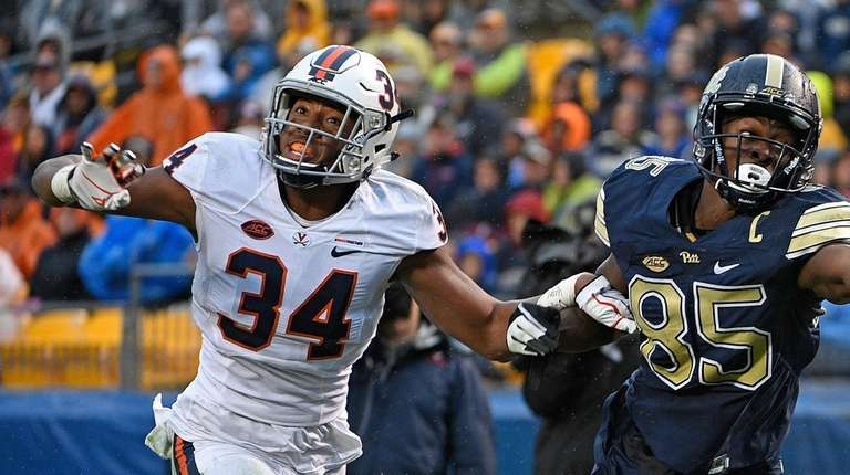Jester Weah #85 of the Pittsburgh Panthers cannot